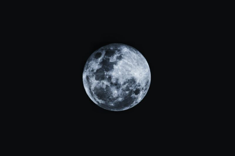 Round moon in a black background